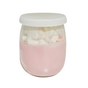 Bougie yaourt chantilly parfum framboise et 100% cire végétale. Vendu par Bubulle et savon.