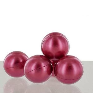 Perle de bain parfumée à la fraise, vendu par bubulle et savon.
